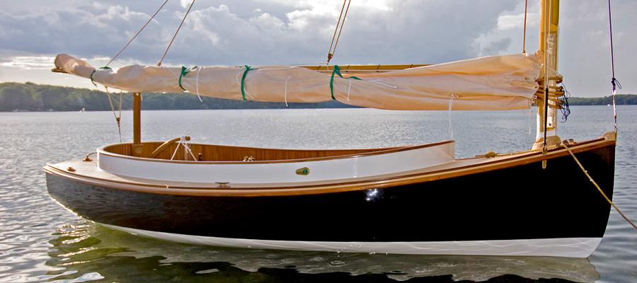 areys_pond_lynx_16_electric_catboat_oceanvolt