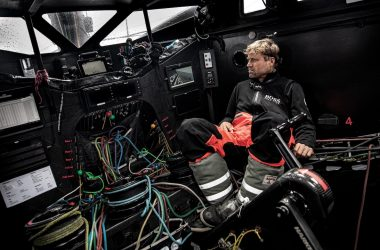 Alex Thomson ceases racing in the Vendée Globe